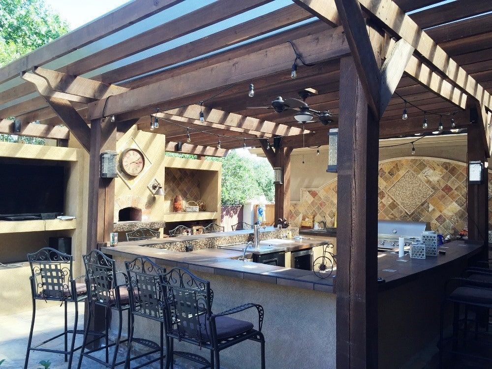 Guide to design an outdoor new age kitchen
